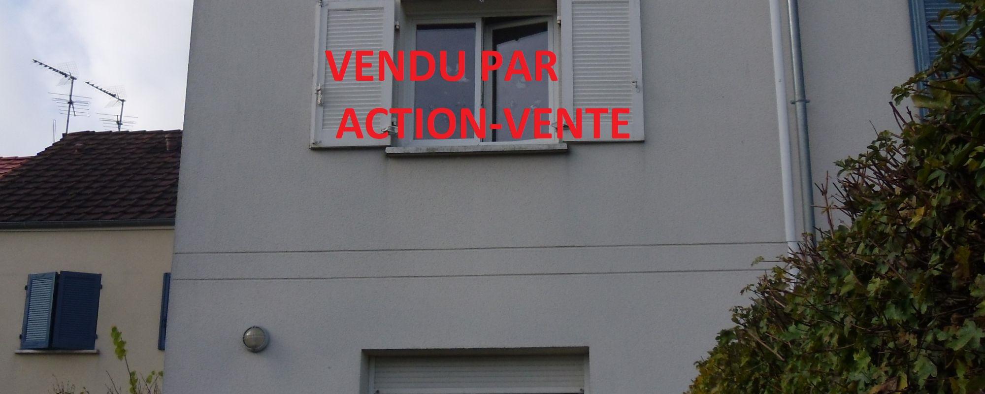 VIEUX ST PIERRE – Maison de ville avec garage et jardinet