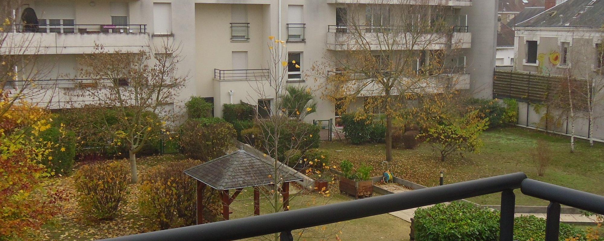 TOURS – Appartement 109m² – balcon et parking sous-sol