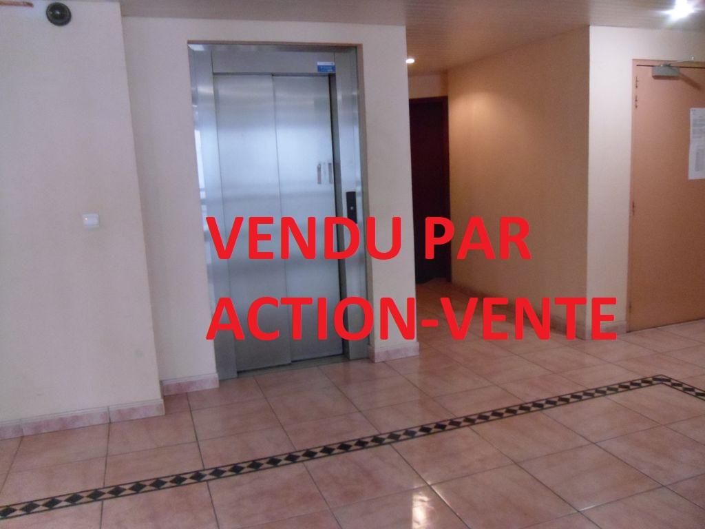 Appartement 30m² avec parking privé – Balcon -secteur BOTANIQUE